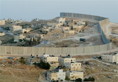 http://revolutionaryfrontlines.files.wordpress.com/2010/11/palestine-apartheid-wall.jpg