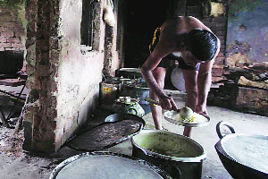 The kitchen at the IRB 1 camp in Shilda, Jhargram. 62 IRB men have been living here for more than a year.